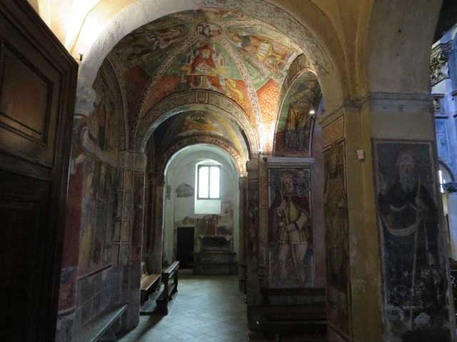2503 Orta church inside2