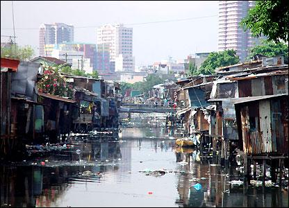 manila river slum 1