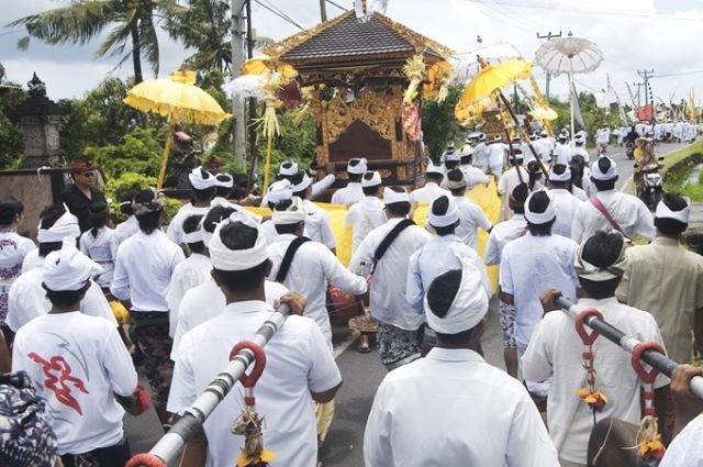 melasti procession 2